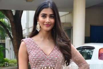 Pooja-Hegde-At-Sakshyam-Movie-Motion-Poster-Launch