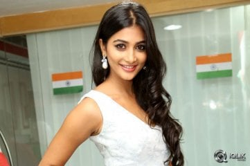 Pooja-Hegde-at-Oka-Laila-Kosam-Movie-Song-Launch