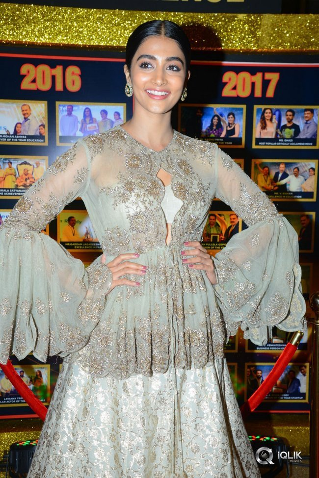 Pooja-Hegde-at-Sakshi-Excellence-Awards-Stills