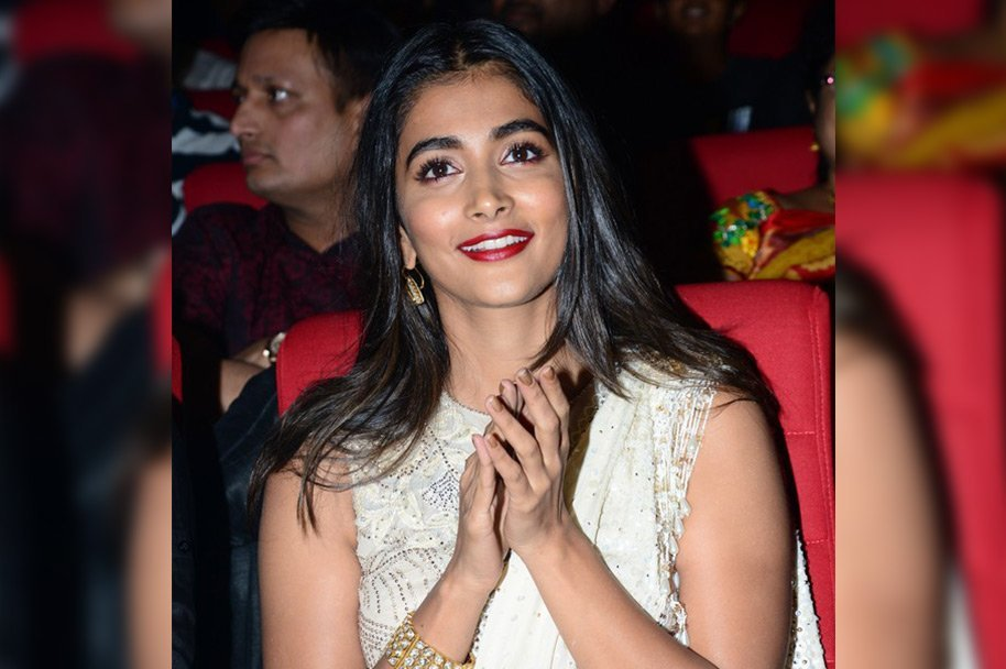 Pooja-Hegde-at-Valmiki-Pre-Release-Event