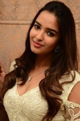 Poojitha Ponnada at 7 Seven Movie Press Meet