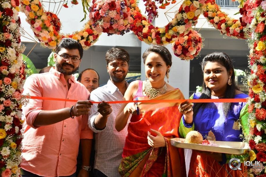 Pragya Jaiswal launches South India Shoping Mall Jewleery Store