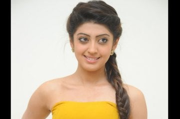 Pranitha-at-Alludu-Seenu-Audio-Launch