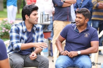 Puneeth Rajkumar visits Allu Sirish Okka Kshanam Movie Sets