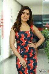 Raashi Khanna Latest Photoshoot Stills