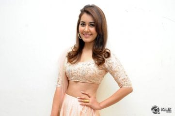 Raashi-Khanna-at-Jil-Movie-Audio-Launch