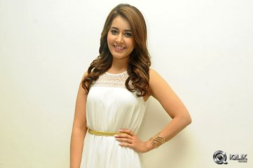 Raashi-Khanna-at-Jil-Movie-Success-Meet