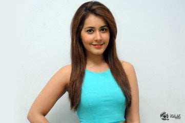 Raashi-Khanna-at-Jil-Movie-Trailer-Launch