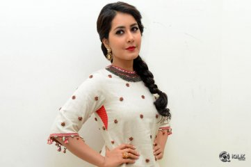 Raashi-Khanna-at-Supreme-Movie-Audio-Launch