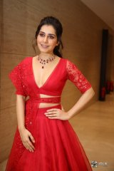 Raashi Khanna at World Famoud Lover Pre Release Event