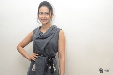 Rakul Preet At Khakee Movie Promotions