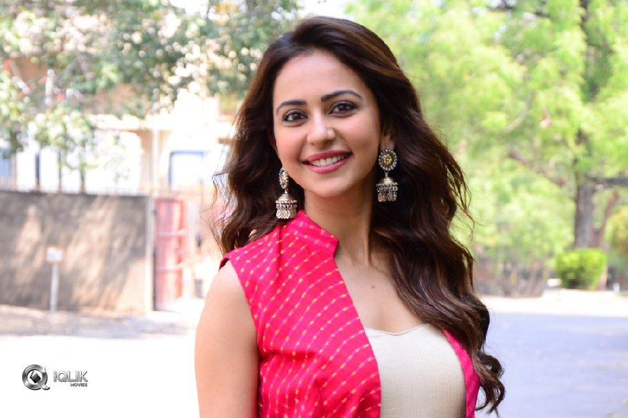 Rakul-Preet-Singh-New-Photos
