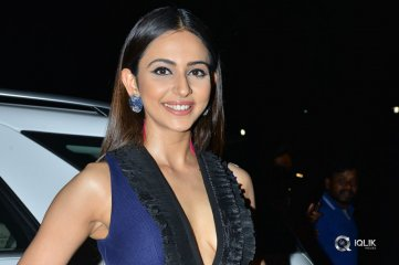 Rakul-Preet-Singh-at-Filmfare-Photos