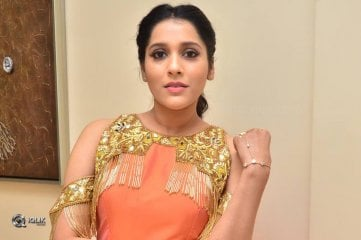 Rashmi Gautam At Next Nuvve Movie Audio Launch