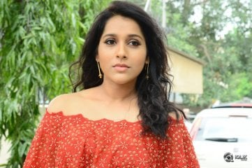 Rashmi Gautam At Next Nuvve Movie Press Meet