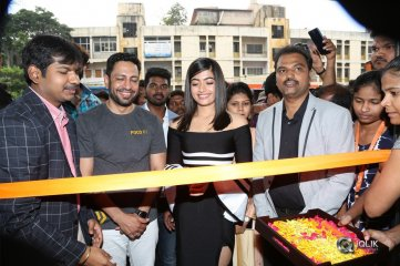 Rashmika-Mandanna-Launches-Happi-Mobiles-at-Banjara-Hills