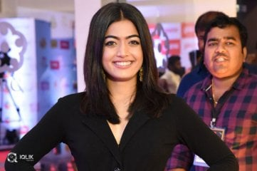 Rashmika-Mandanna-at-Mirchi-Music-Awards-2018