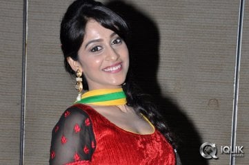 Regina-Cassandra-at-Love-You-Bangaram-Audio-Launch