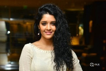 Ritika-Singh-New-Photos