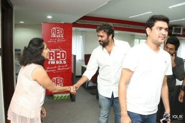 Rowdy-Fellow-Movie-Team-at-Red-FM