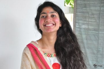 Sai Pallavi at Fidaa Movie Opening