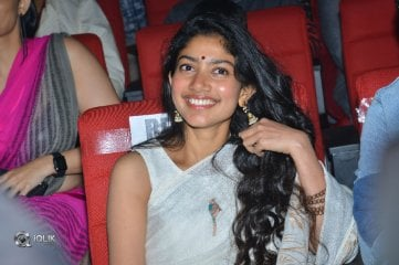 Sai Pallavi at Padi Padi Leche Manasu Movie Pre Release Event
