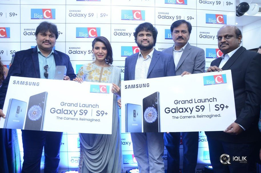 Samantha-Launches-Samsung-S9-Mobile-at-Big-C-Kukatpally