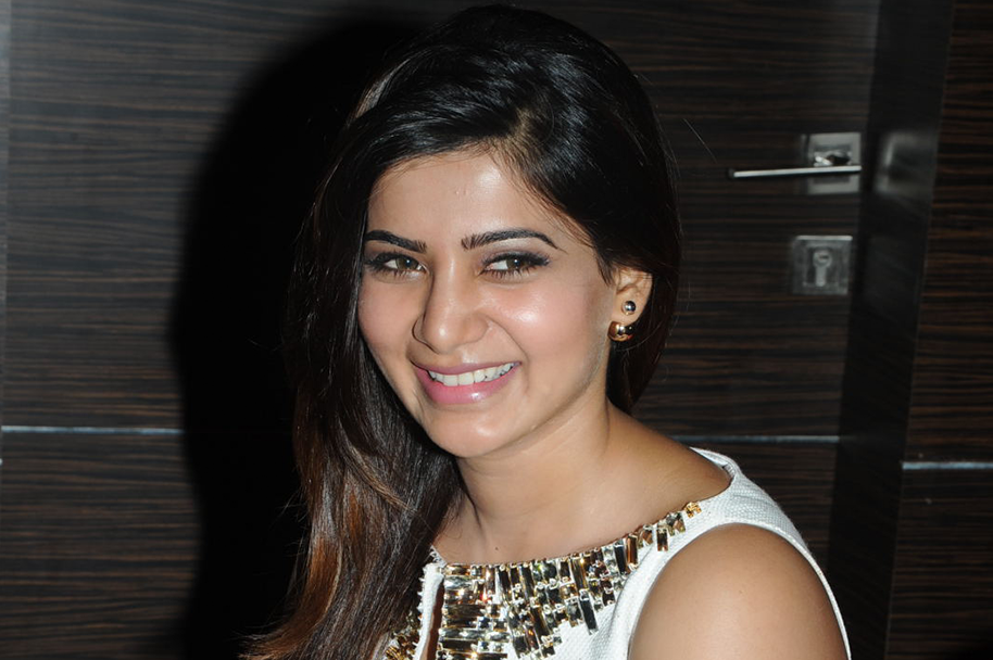 Samantha-at-Asian-Cinema-Theaters-Launch