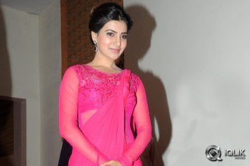 Samantha-at-Auto-Nagar-Surya-Audio-Launch