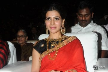 Samantha-at-Son-Of-Sathyamurthy-Movie-Audio-Launch