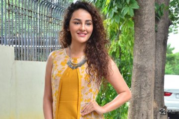 Seerat Kapoor At Raju Gari Gadhi 2 Movie Trailer Launch