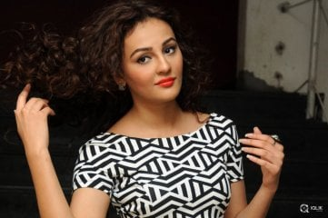 Seerat-Kapoor-at-Tiger-Movie-Success-Meet