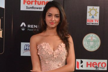 Shanvi-Srivastava-At-IIFA-Utsavam-Awards-2017