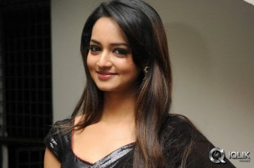 Shanvi-at-Aadi-Birthday-Celebrations