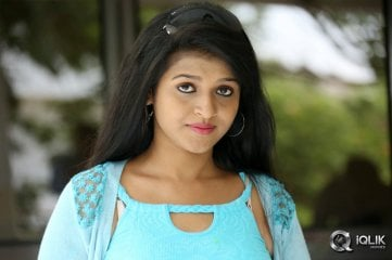 Shilpa-Swetha-at-Kakateeyudu-Movie-Press-Meet