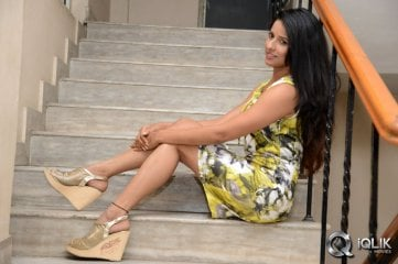 Shravya Reddy at Citizen Movie Audio Launch