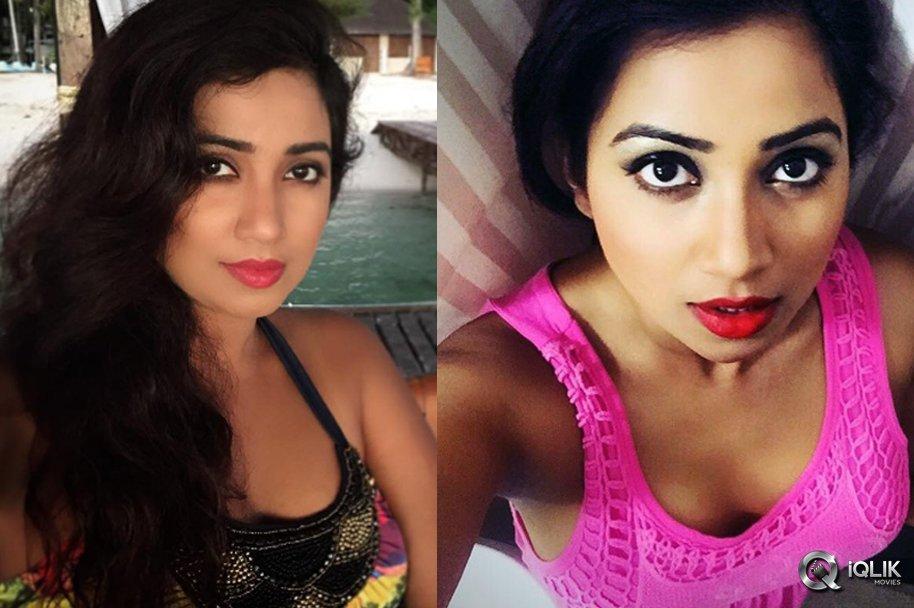 Shreya-Ghoshal-Selfie-Photos