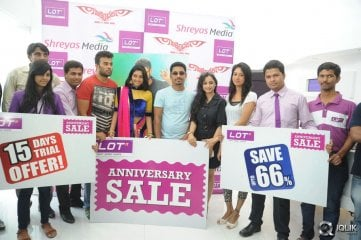 Sikindar-Movie-Promotion-at-Lot-Mobiles-Store-Madhapur
