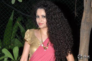 Soumya-at-Pora-Pove-Movie-Audio-Launch