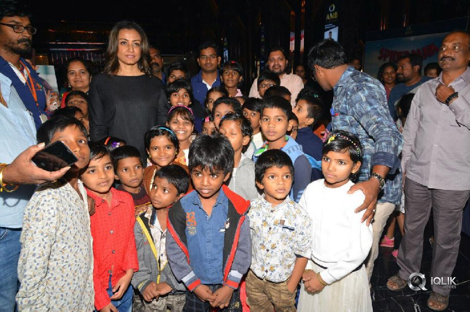 Spiderman-Special-Screening-For-Orphan-Children