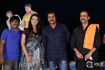 Sunil-Birthday-Celebrations-with-Bheemavaram-Bullodu-Team