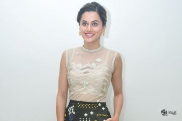 Taapsee-At-Anando-Brahma-Movie-Trailer-Launch