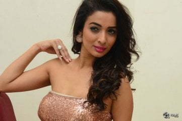 Teena-Pancholi-At-Thikka-Movie-Audio-Launch