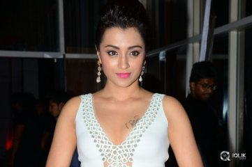 Trisha-at-Nayaki-Movie-Audio-Launch