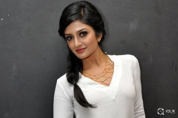 Vimala Raman at Kavvintha Movie Audio Launch