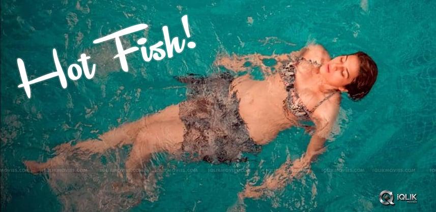 Pic-Talk-Shraddha-Das-Becomes-Hot-Fish
