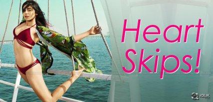 adah-sharma-sexy-treat-to-fans-bikini