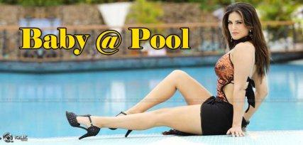 Sunnyleone-at-swimming-pool