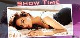 sonal-chauhan-cleavage-show